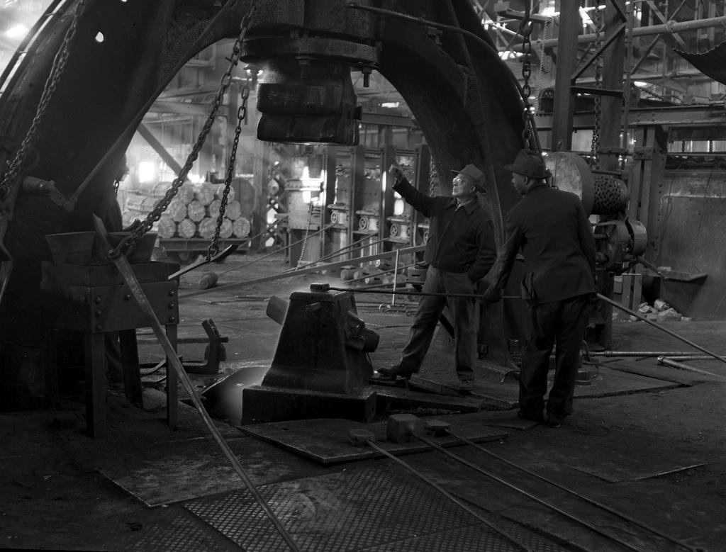 Demonstration der Benutzung einer Dampframme