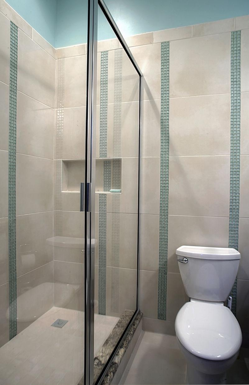 Duschkabine in einem Badezimmer