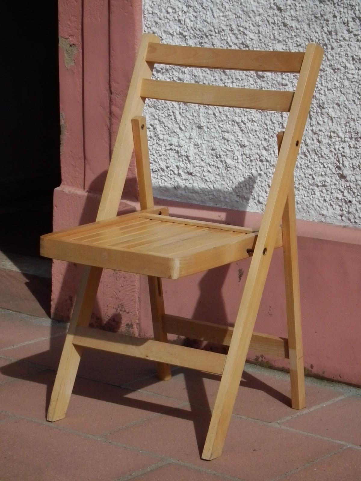 Klappstuhl aus Holz