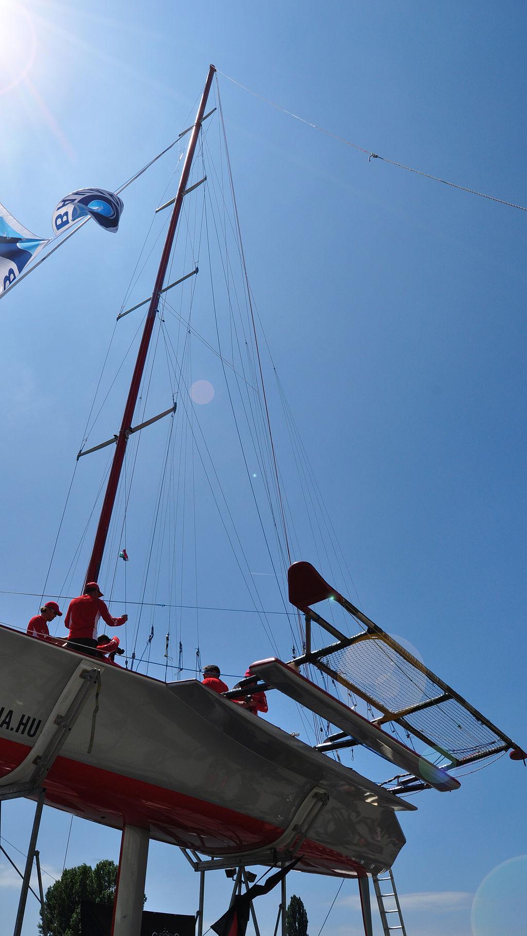 Libera-Boot mit charakteristischem Ausleger
