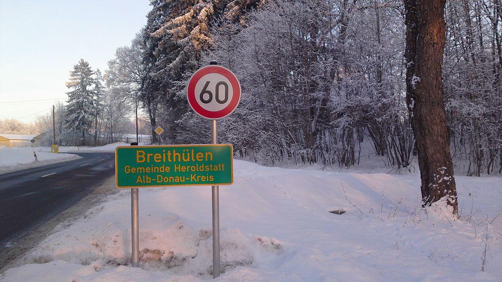 Ortshinweistafel Breithülen, Gemeinde Heroldstatt,                     Alb-Donau-Kreis