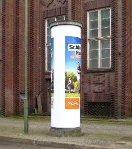 Eine Litfaßsäule in Berlin
