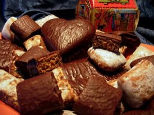 Lebkuchen mit Schokoladen- und Zuckerglasur