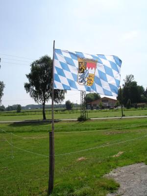 Bayerische Landesflagge mit Rauten